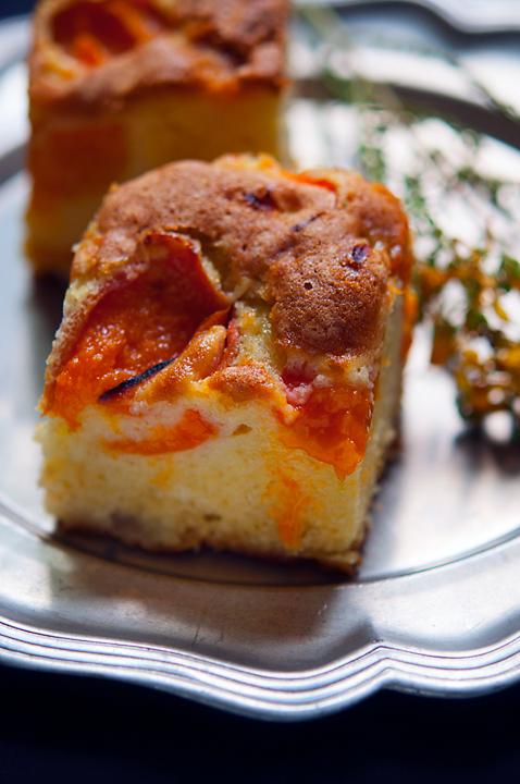 Simple apricot cake
