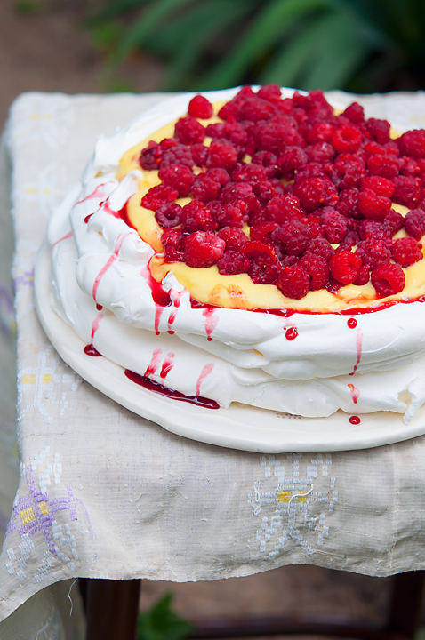 Raspberry Pavlova with vanilla cream